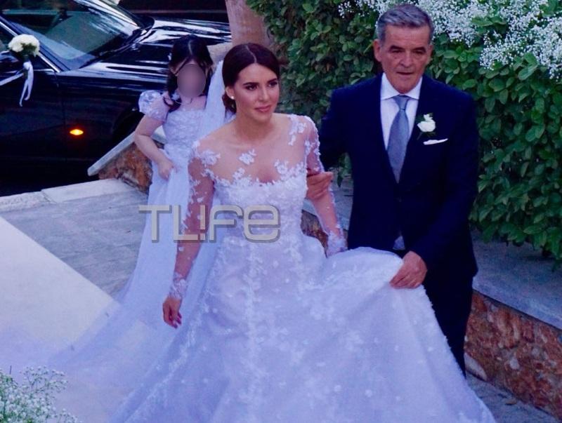 Παναγιώτης Μαδιάς – Νίνα Ασημακοπούλου: Παραμυθένιος γάμος στην Εκάλη με τον Αντώνη Ρέμο να τραγουδά! Αποκλειστικές φωτό και βίντεο! | tlife.gr