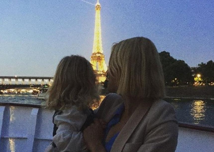 Βίκυ Καγιά: Απόδραση στο Παρίσι με την κόρη της! [pics]   tlife.gr