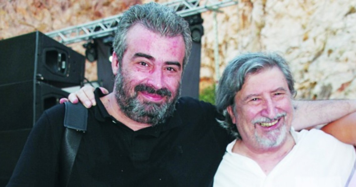 Χάρρυ Κλυνν: Έφυγε πικραμένος, δυο χρόνια μετά τον θάνατο του γιου του – Τα λόγια που είχε πει για τον Νίκο Τριανταφυλλίδη   tlife.gr