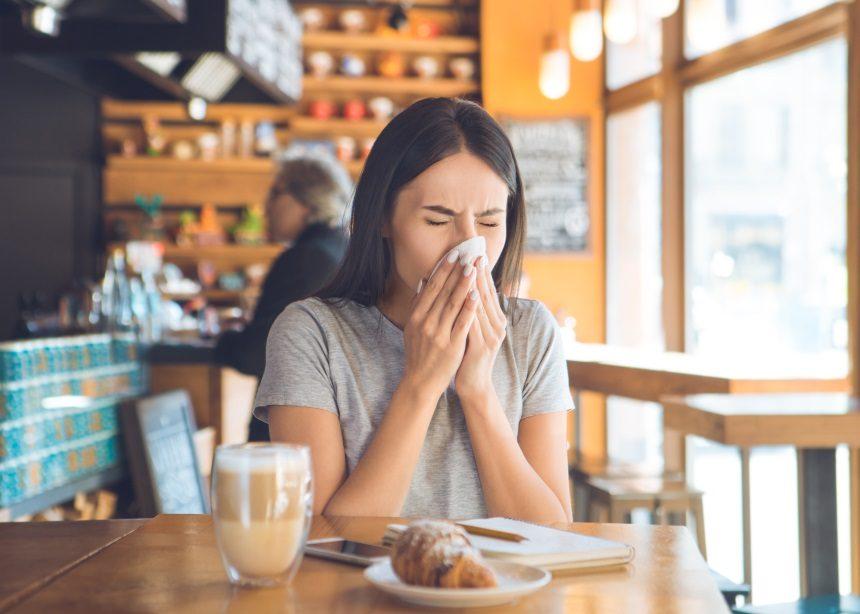 10 περίεργα πράγματα που δεν ήξερες για το φτέρνισμα | tlife.gr