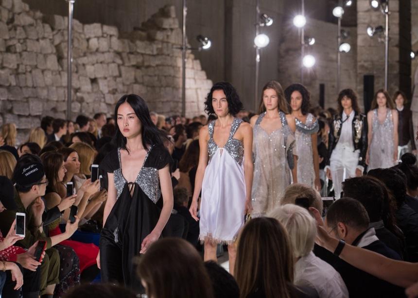 Ο Louis Vuitton λανσάρει μια limited-edition συλλογή για να τιμήσει τον βασιλικό γάμο | tlife.gr