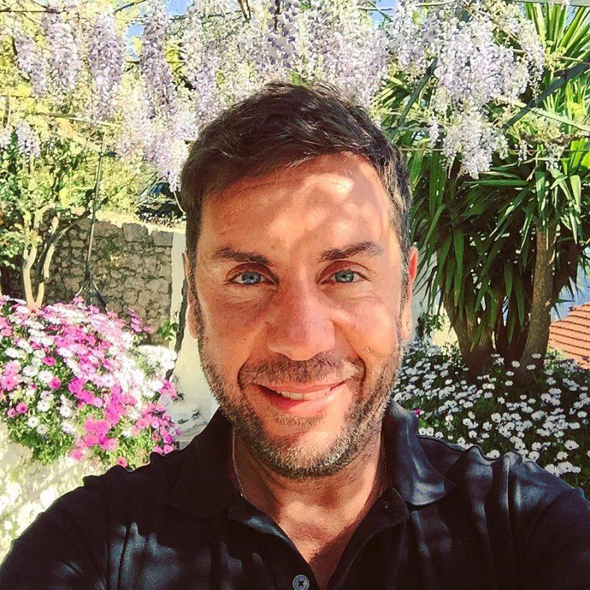 Γιώργος Μαζωνάκης: Έτοιμο το βίντεο κλιπ του «Αγαπώ σημαίνει»! | tlife.gr