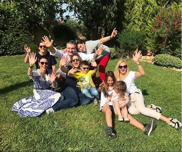 Δέσποινα Μοιραράκη: Γιόρτασε τα γενέθλιά της με την οικογένειά της και την Σίσσυ Φειδά! | tlife.gr