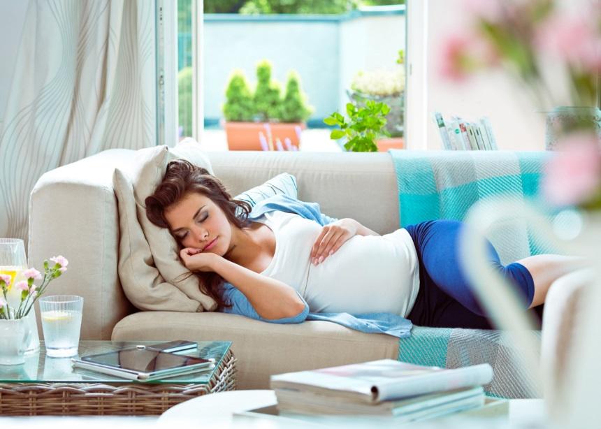 Έρευνα: Τι ρόλο παίζει ο μεσημεριανός ύπνος στο βάρος γέννησης του μωρού σου; | tlife.gr