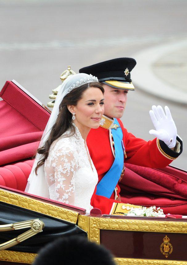 Η πριγκίπισσα Diana και η Kate Middleton φορούσαν αυτό το άρωμα όταν παντρεύτηκαν! H Meghan Markle; | tlife.gr