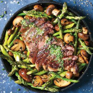 Φιλέτο μοσχαρίσιο με λαχανικά σοτέ και σάλτσα βουτύρου
