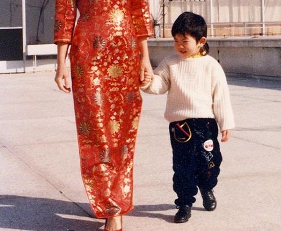 O Oρέστης Τσανκ μας συστήνει την πανέμορφη μαμά του! [pic]   tlife.gr