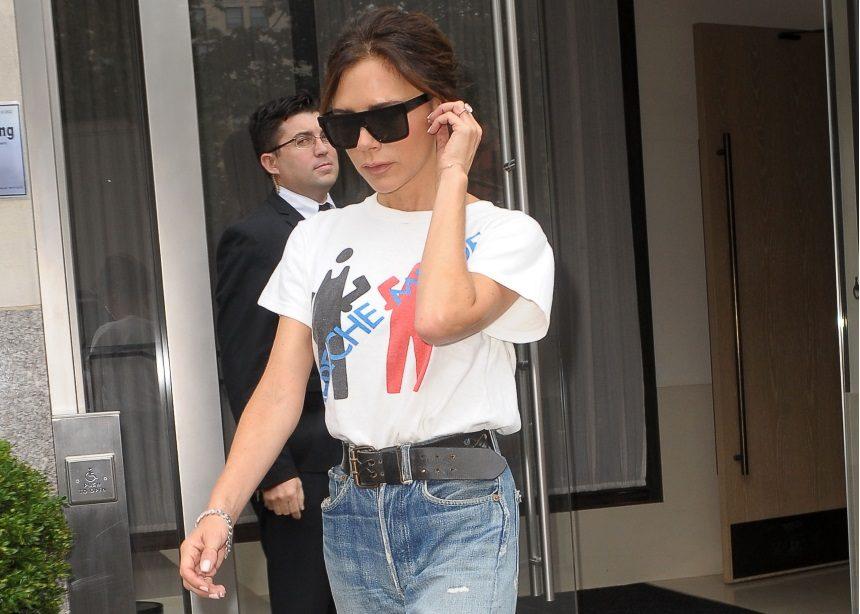 Τι χαρακτηριστικά πρέπει να έχει το λευκό σου t-shirt για να είναι τέλειο σύμφωνα με την Victroria Beckham | tlife.gr