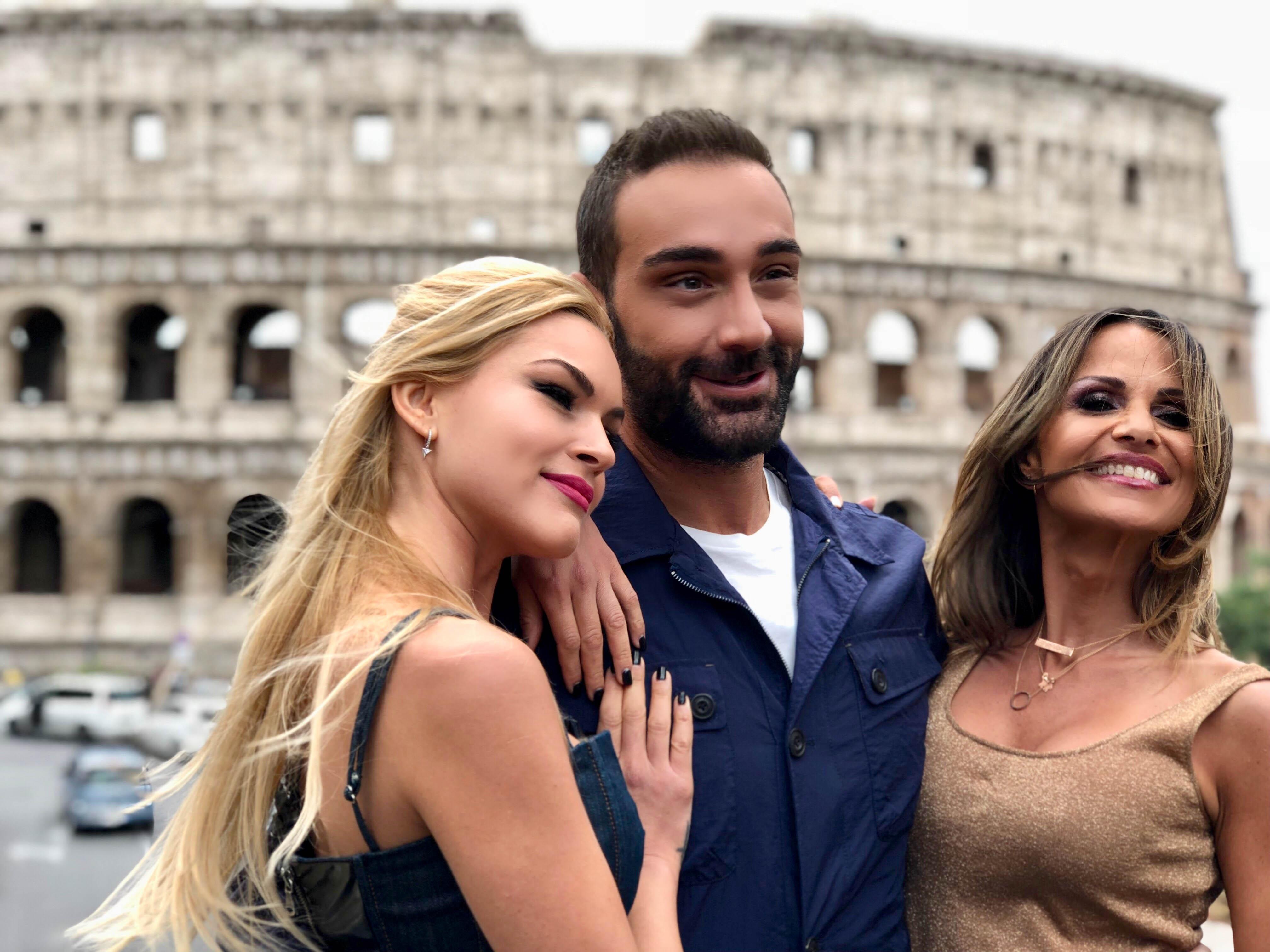 Celebrity Travel: Το ταξίδι στην Ρώμη με την Βίκυ Κάβουρα και την Σόφη Πασχάλη συνεχίζεται!