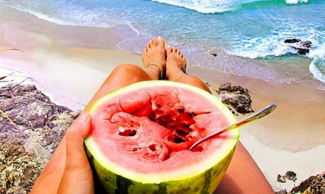 Καύσωνας: Τι να φας και τι να αποφύγεις στην μεγάλη ζέστη | tlife.gr