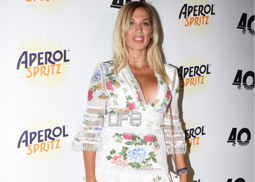 Κωνσταντίνα Σπυροπούλου: Σέξι εμφάνιση σε καλοκαιρινό opening party! [pics] | tlife.gr