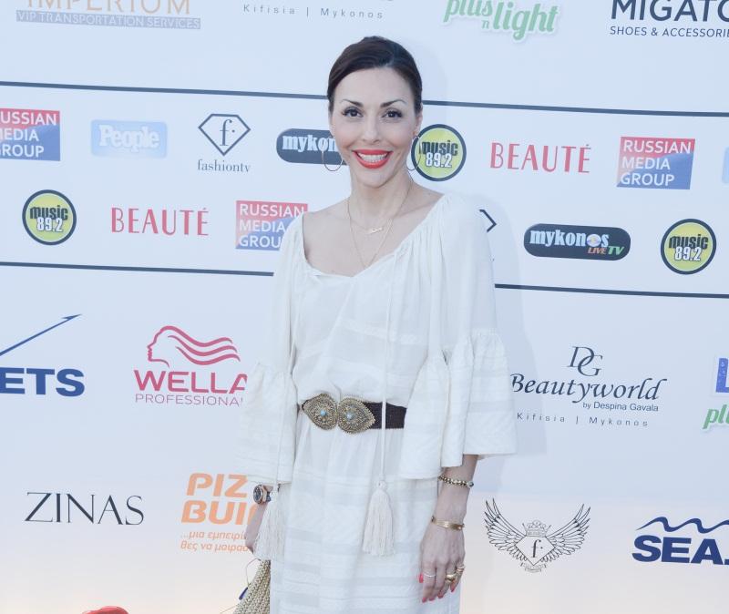 Fashion event στην Μύκονο με διάσημες παρουσίες και όμορφα κορίτσια! [pics] | tlife.gr