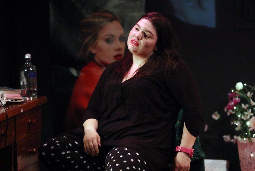 Δανάη Μπάρκα: Τα συγκλονιστικά της λόγια κατά του ρατσισμού, με αφορμή το Athens Pride | tlife.gr
