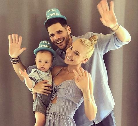 Mικαέλα Φωτιάδη: Το πάρτι για τα γενέθλια του γιου και του συζύγου της, που γεννήθηκαν την ίδια μέρα! [pics]   tlife.gr