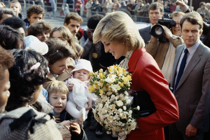 Η πριγκίπισσα Diana έκοβε τα μαλλιά της ένα πόντο κάθε φορά ώστε να μην το καταλαβαίνουν!   tlife.gr