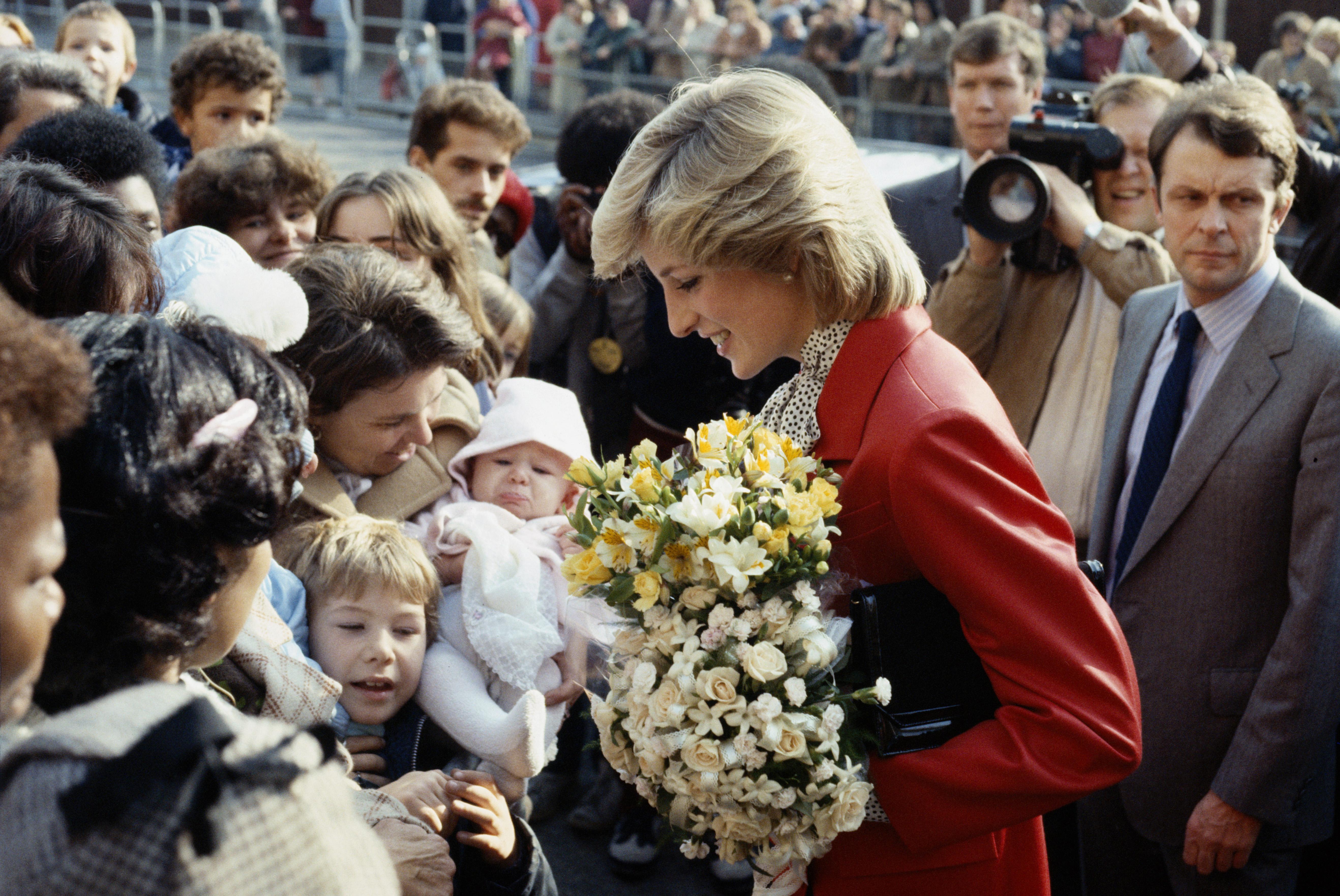Η πριγκίπισσα Diana έκοβε τα μαλλιά της ένα πόντο κάθε φορά ώστε να μην το καταλαβαίνουν! | tlife.gr