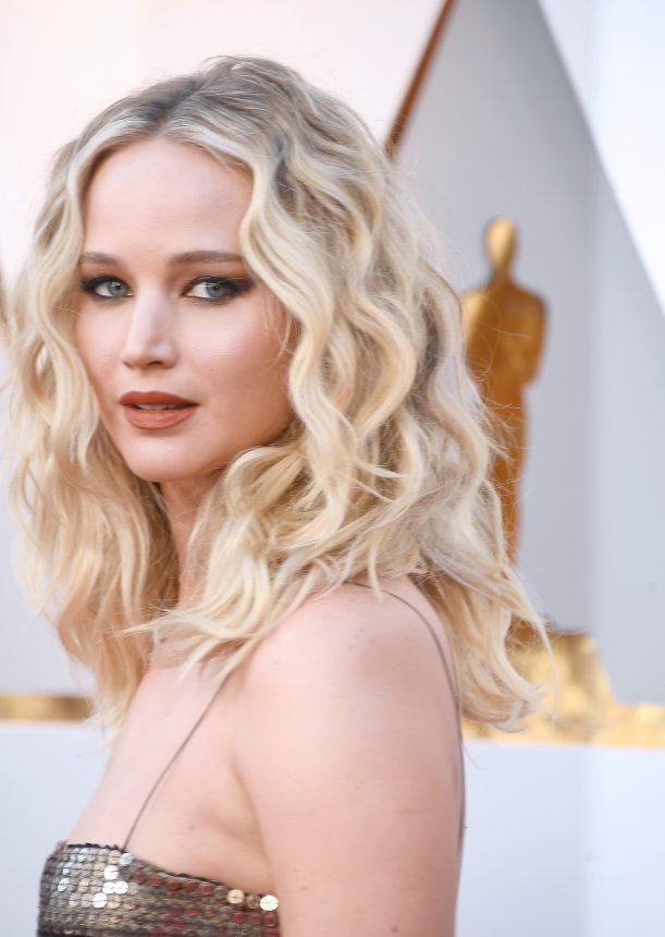 Η Jennifer Lawrence θα είναι μούσα ενός νέου αρώματος Dior! | tlife.gr