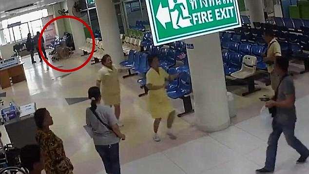 Σοκαριστικές εικόνες! Σκότωσε γυναίκα και πεθερό και αυτοκτόνησε μπροστά στον γιο του | tlife.gr