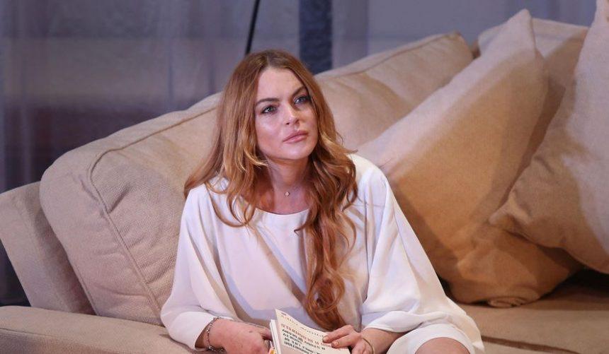 Lindsay Lohan: Ανάβει «φωτιές» στη Μύκονο με το σέξι μαγιό της! | tlife.gr