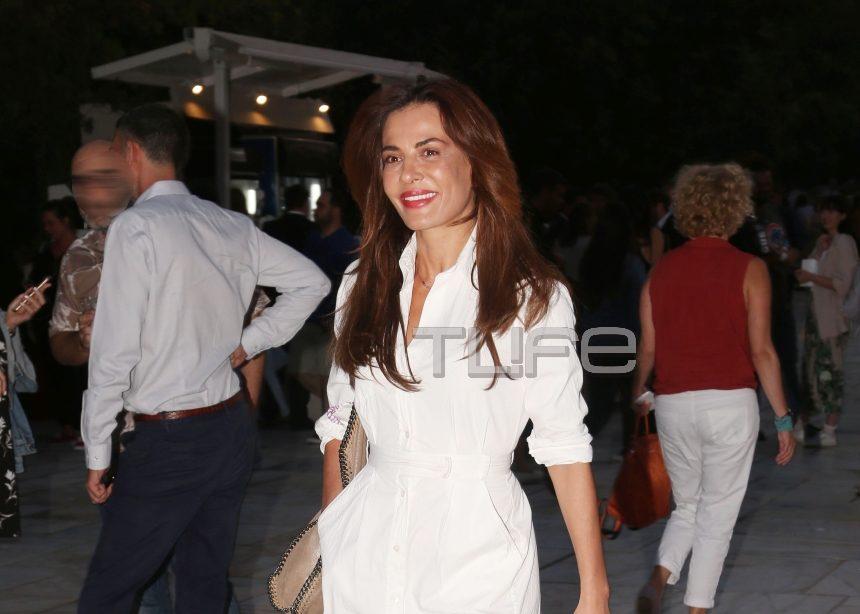 Δήμητρα Ματσούκα: Chic εμφάνιση στα λευκά στο Ηρώδειο! [pics] | tlife.gr