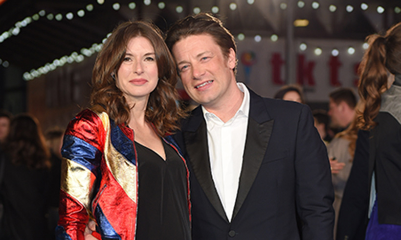 Jamie Oliver: Γιόρτασε 18 χρόνια γάμου με το πιο συγκινητικό μήνυμα! | tlife.gr