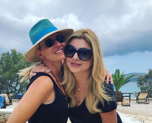 Μαρία Μπεκατώρου: Στη Νάξο με τον σύζυγό της και τη Χριστίνα Πολίτη! [pics,vid]   tlife.gr