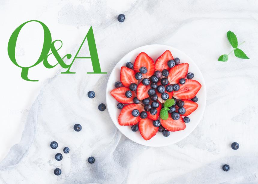 Ο Κλινικός Διαιτολόγος – Διατροφολόγος Δημήτρης Γρηγοράκης απαντάει στις ερωτήσεις σου | tlife.gr