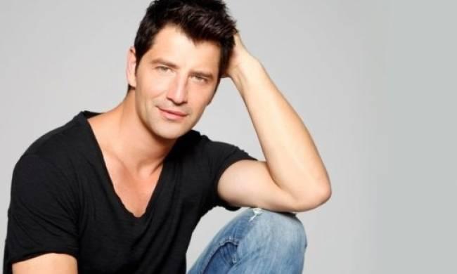 Σάκης Ρουβάς: Δεσμεύτηκαν οι τραπεζικοί λογαριασμοί του τραγουδιστή! Τι έχει συμβεί | tlife.gr