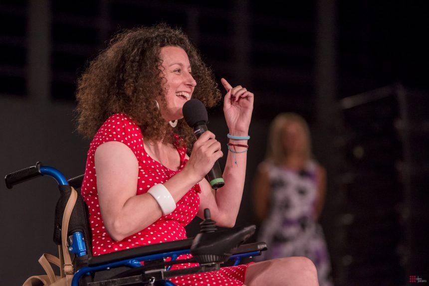 Κατερίνα Βρανα: Συγκίνησε τους πάντες με την εμφάνιση στη συναυλία που έγινε για εκείνη! [pics] | tlife.gr