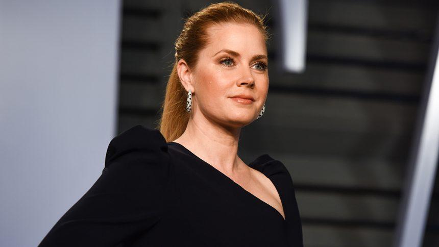 Amy Adams: Αυτός είναι ο λόγος που δεν έχει μιλήσει για διαφορά μισθών ανδρών-γυναικών στο Hollywood | tlife.gr