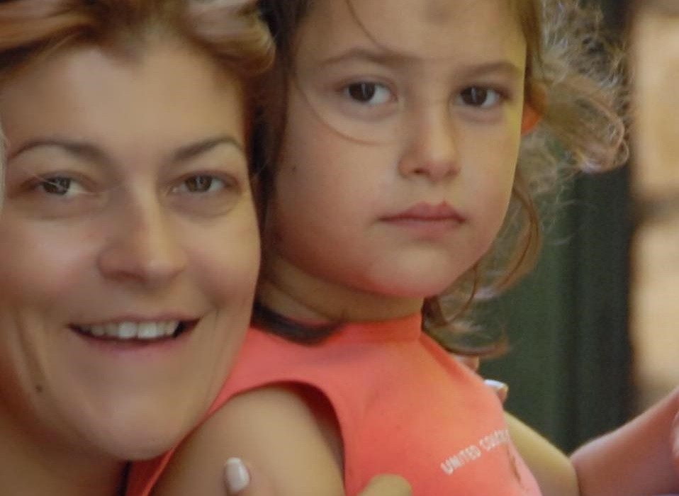 Tασία Μανωλοπούλου: Το συγκινητικό βίντεο για την κόρη της Νίκη, που έφυγε από τη ζωή δυο χρόνια πριν