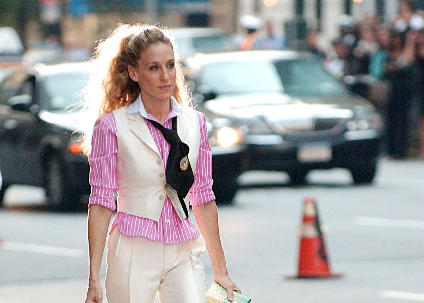 Όλα τα look της Carrie Bradshaw από το Sex and the City. Εσένα ποιο ήταν το αγαπημένο σου; | tlife.gr