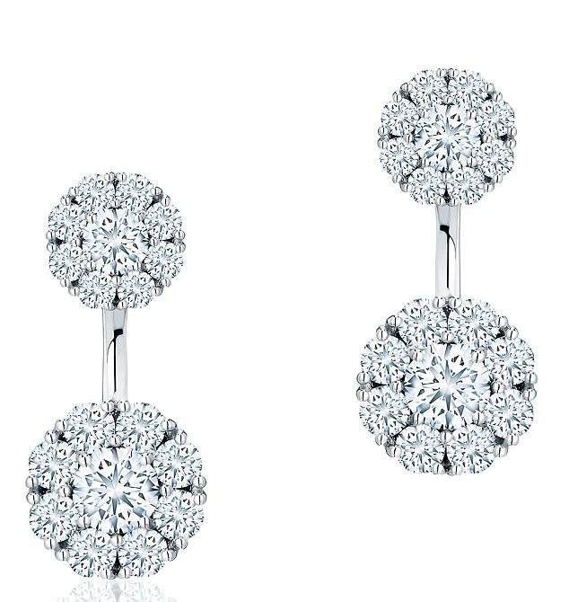 Στο γάμο της εκτός από τα στρογγυλά διαμαντένια σκουλαρίκια διακρίνεται το  cartier βραχιόλι και το δαχτυλίδι των αρραβώνων τους! MEGHAN MARKLE ... 7ce86215954