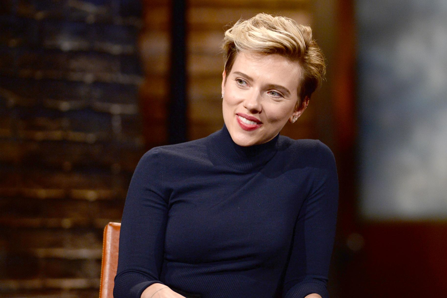 """Η Scarlett Johansson """"σπάει"""" την σιωπή της: """"Δεν μπορούν πια να κρυφτούν πουθενά"""""""