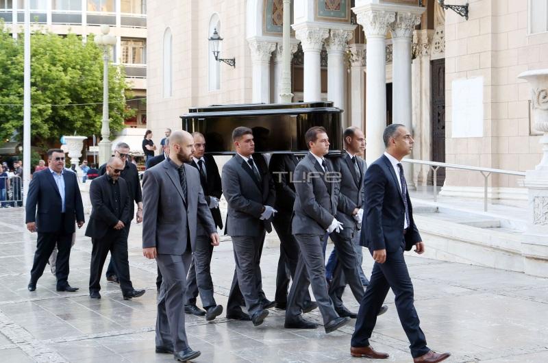 Παύλος Γιαννακόπουλος: Πλήθος κόσμου στο τελευταίο αντίο | tlife.gr