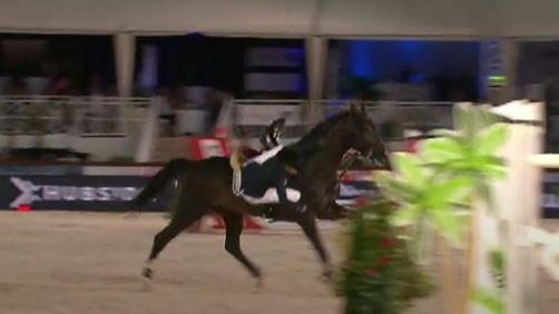 Αθηνά Ωνάση: Έπεσε από το άλογο στους αγώνες στις Κάννες! Βίντεο-Η ανησυχία του Αλέξη Μανθεάκη