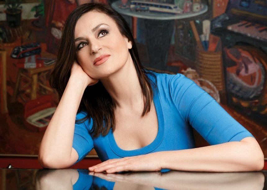 Καρυοφυλλιά Καραμπέτη: Με ποιον συμπρωταγωνιστεί στην μεγάλη της τηλεοπτική επιστροφή | tlife.gr