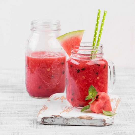 Smoothie με καρπούζι και φράουλες | tlife.gr