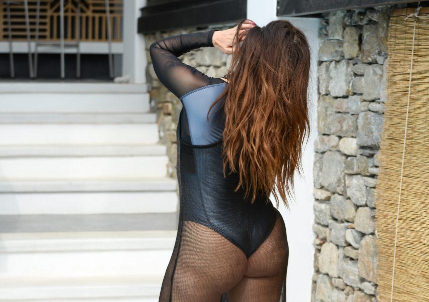 Μάγκυ Χαραλαμπίδου: Αναστάτωσε την Λευκάδα με τις σέξι πόζες της! [pics] | tlife.gr
