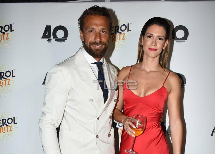 Γιάννης Μαρακάκης:  Καλοκαιρινό opening party στο μαγαζί του με την σύζυγό του στο πλευρό του! | tlife.gr