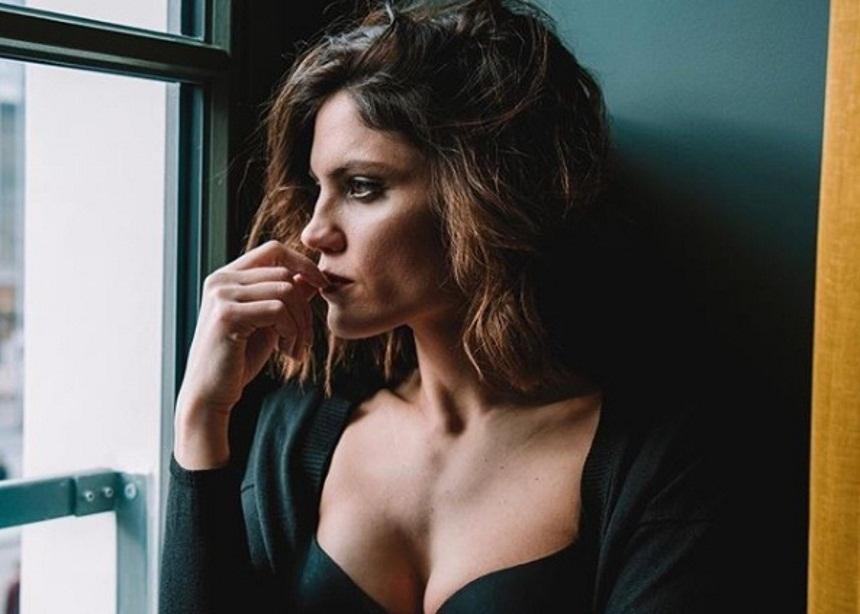 Μαίρη Συνατσάκη: Η σχέση της με την πολιτική και γιατί δεν θα συνεργαζόταν ποτέ με τον σύντροφό της   tlife.gr