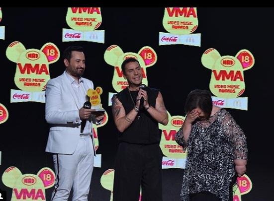 Γιώργος Μαζωνάκης: Η πιο συγκινητική στιγμή των MAD VMA με τη δασκάλα του! video