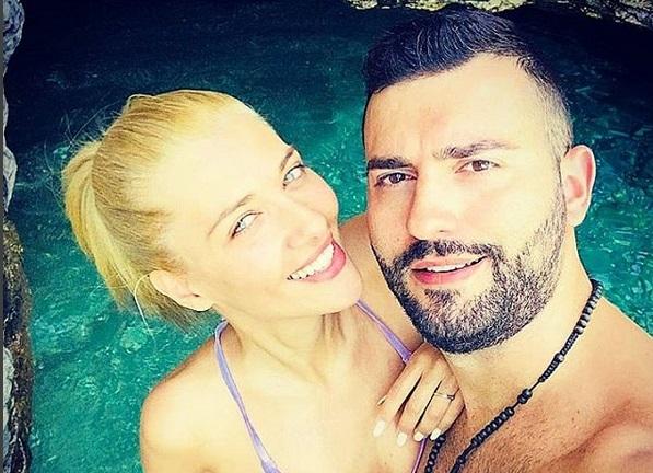 Θοδωρής Μισόκαλος: Μαγικές στιγμές στο ξενοδοχείο του Ματέο στην Άνδρο, μαζί με το κορίτσι του! | tlife.gr