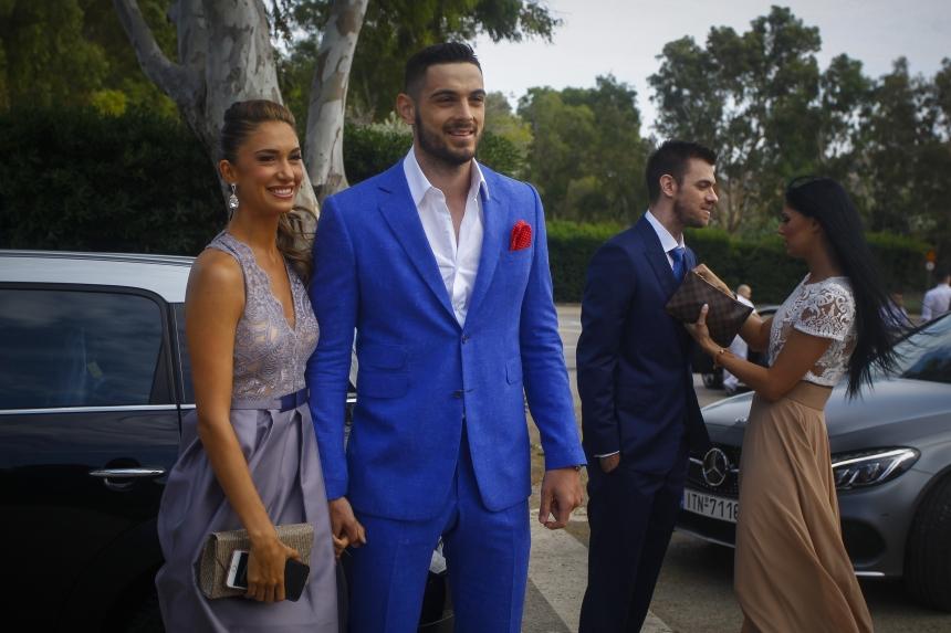 Άννα Πρέλεβιτς: Με τον σύντροφό της Ιωάννη Παπαπέτρου στο γάμο του Πρίντεζη! | tlife.gr
