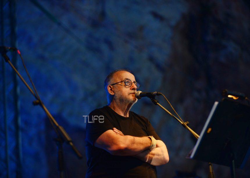 Θάνος Μικρούτσικος: Η πορεία του σπουδαίου καλλιτέχνη που άφησε το στίγμα του στην ελληνική μουσική σκηνή [pics,vids]   tlife.gr