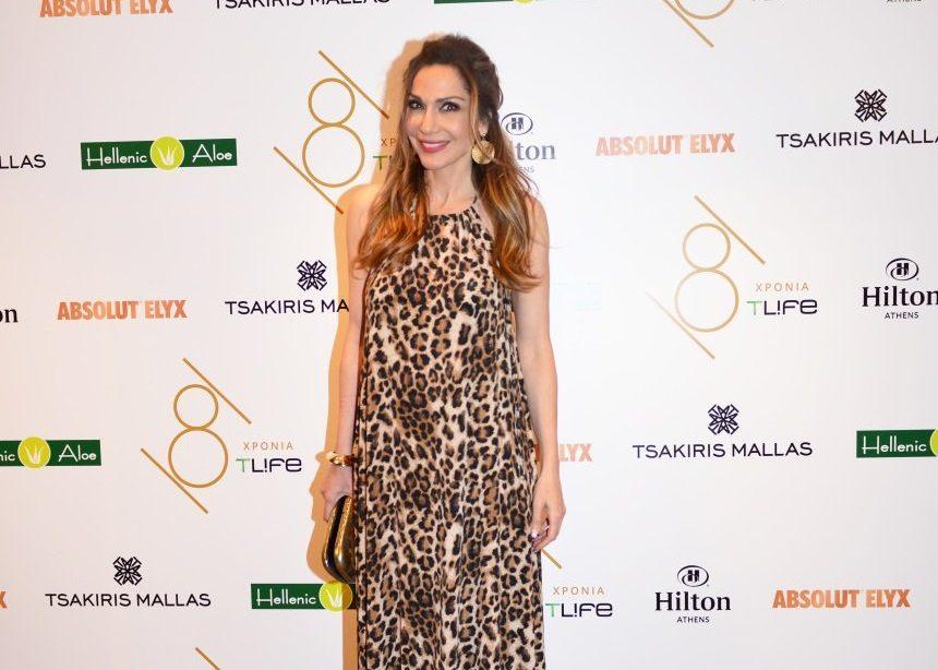 Δέσποινα Βανδή: Όλες οι πληροφορίες για το εντυπωσιακό outfit που επέλεξε στο πάρτι του Tlife | tlife.gr
