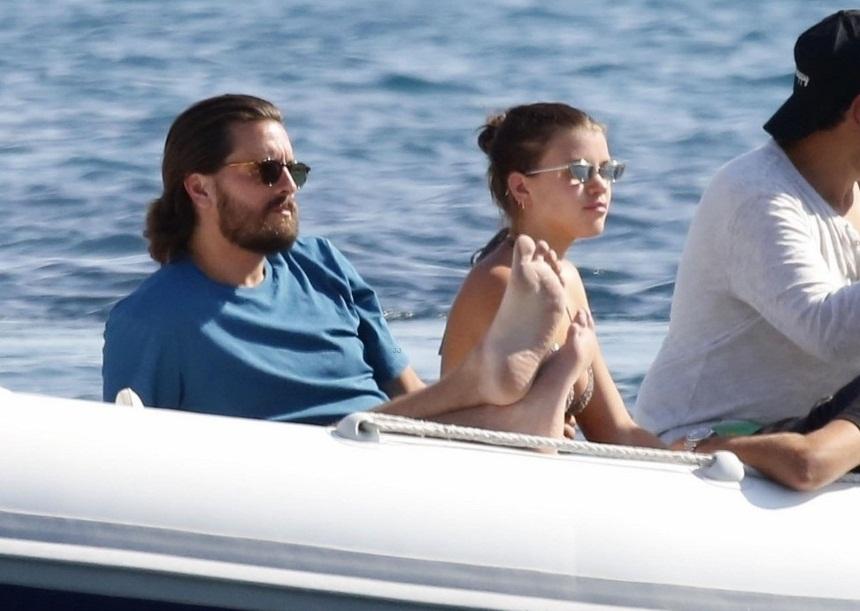 Scott Disick: Ο πρώην της Kardashian στην Μύκονο με την 19χρονη σύντροφό του! [pics] | tlife.gr