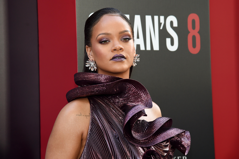 Πώς η Rihanna φτιάχνει τα φρύδια της με… σαπούνι! Yeap! | tlife.gr