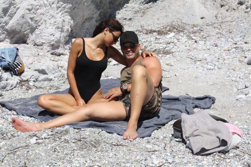 Κώστας Σόμμερ – Ναυσικά Παναγιωτακοπούλου: Οι διαχυτικές στιγμές του ζευγαριού στην Σκόπελο! [pics] | tlife.gr