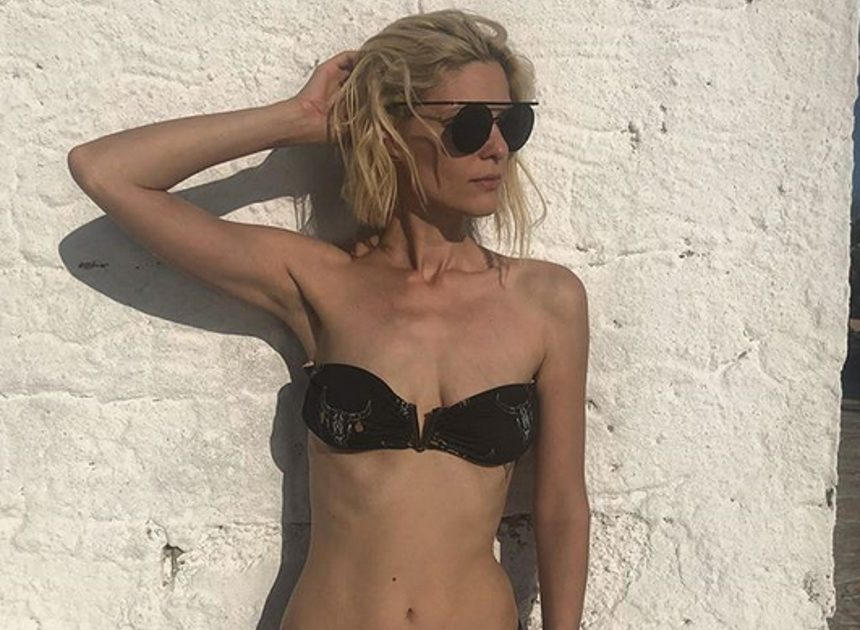 Αναστασία Περράκη: Οι σέξι πόζες από τις διακοπές της με τον Χρήστο Μπίρμπα! | tlife.gr